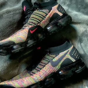Nike vapormax 2 black multi color